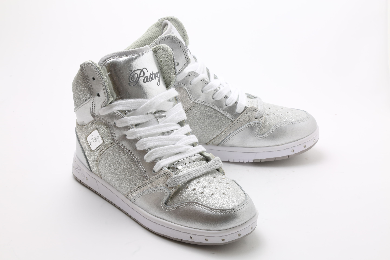 Pastry Glam Pie Glitter Dance Sneakers, Silber, Größe 7,5
